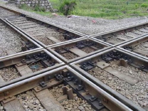 機動車通過鐵路道口時的交通規則